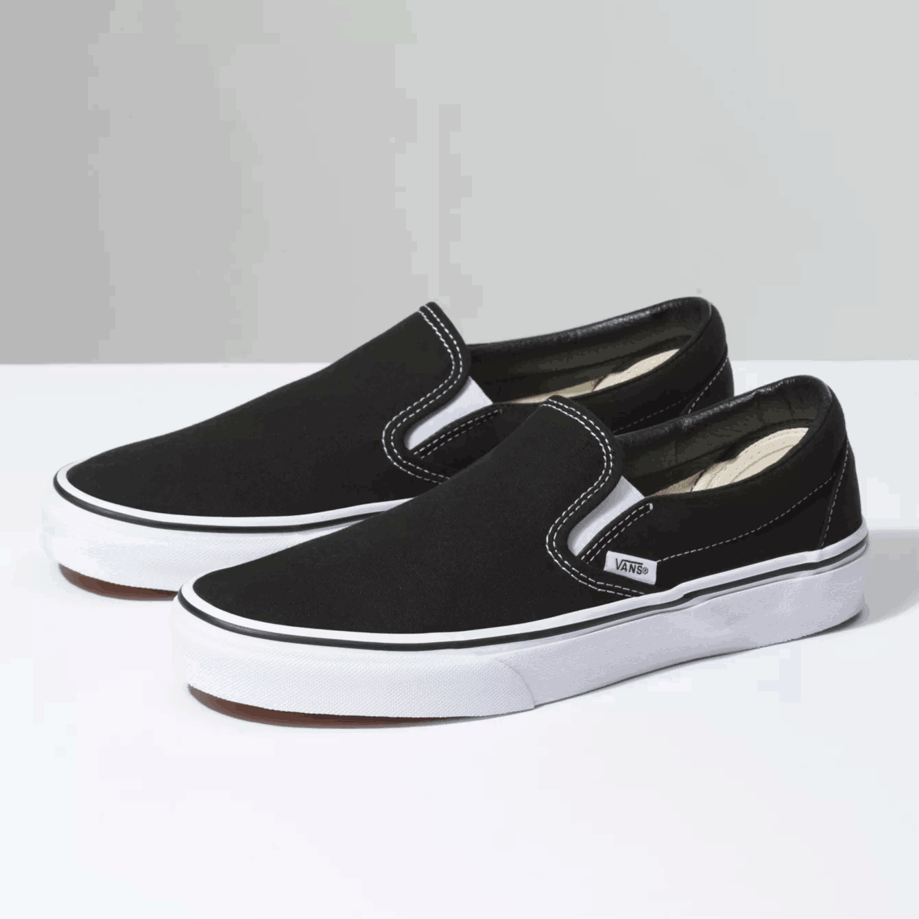 Jenis Sepatu Vans Slip-on sepatu vans - 16 Jenis Sepatu Vans Terbaik yang Wajib Kamu Ketahui